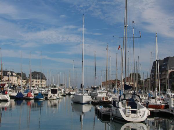 Marina Of Courseulles Sur Mer   Leisure Centre In Courseulles Sur Mer