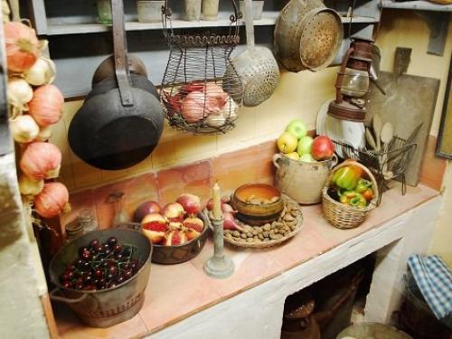 Photos mus e marc deydier lieu de loisirs cucuron - Cuisine romaine traditionnelle ...