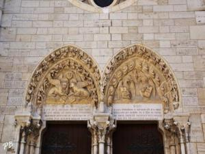 Église Saint-Saturnin - Detail of portal