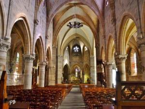 Inside the church Saint-Saturnin: the nave