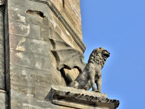 One of the four winged lions of the bell tower of the church of Saint-Just (© J.E)