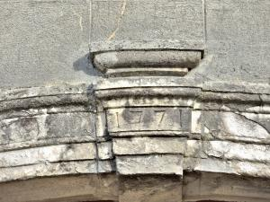 Lintel of the west door of the church of Saint-Just (© J.E)