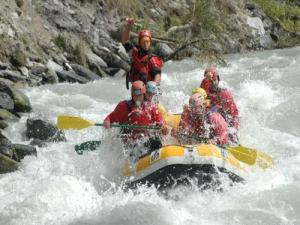 Rafting on the Durance at the iron bridge at Embrun