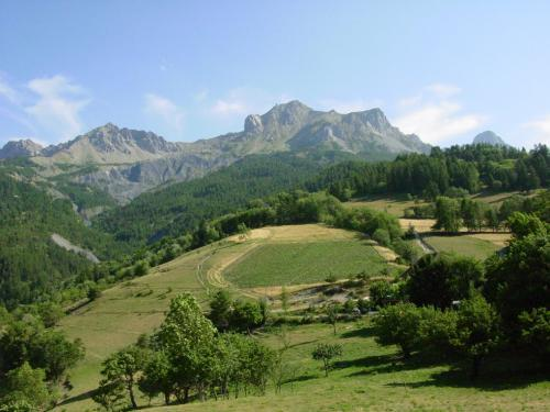 Enchastrayes - Tourism, holidays & weekends guide in the Alpes-de-Haute-Provence
