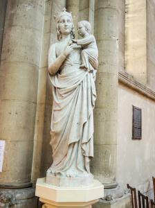 Our Lady with the Child - Church Notre-Dame (© J.E)