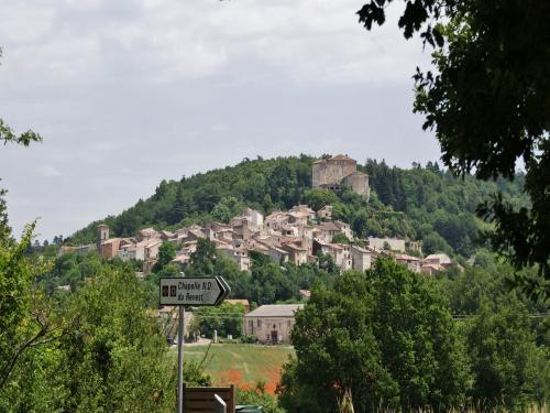 Esparron - Tourism, holidays & weekends guide in the Var