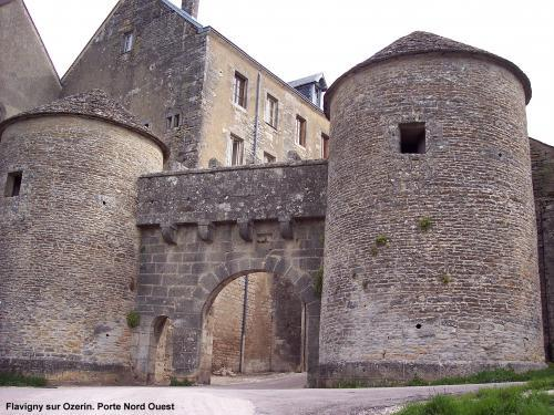 Flavigny-sur-Ozerain - Tourism, holidays & weekends guide in the Côte-d'Or
