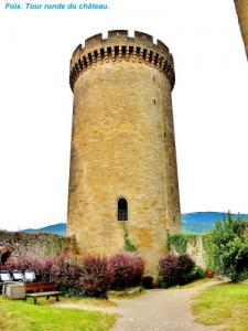 Schloss Round Tower ( © Jean Espirat )