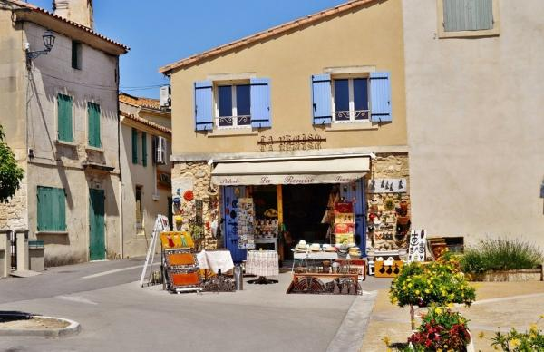 Fontvieille - Tourism, holidays & weekends guide in the Bouches-du-Rhône