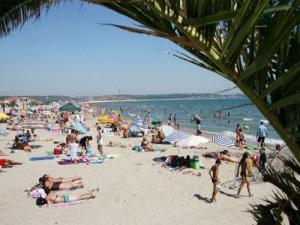 Fos sur mer tourism holidays weekends for Piscine fos sur mer