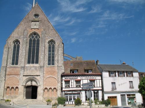 Restaurant Place De L Eglise Gallardon
