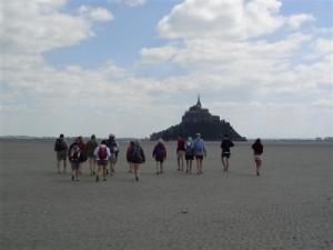 Crossing the Mont Saint-Michel Bay