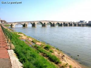 The big bridge on the Loire (© JE)