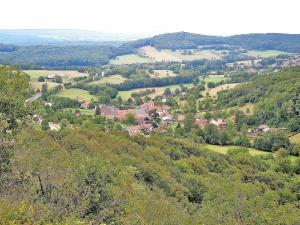 Panorama Gondenans-les-Moulins, from the viewpoint of the cave bear (© Jean Espirat)