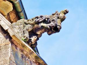 Other gargoyle South of the basilica (© JE)