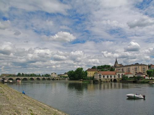 Gray - city Gray to the right bank of the Saone