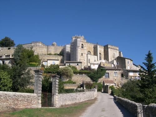 Grignan - Tourism, holidays & weekends guide in the Drôme
