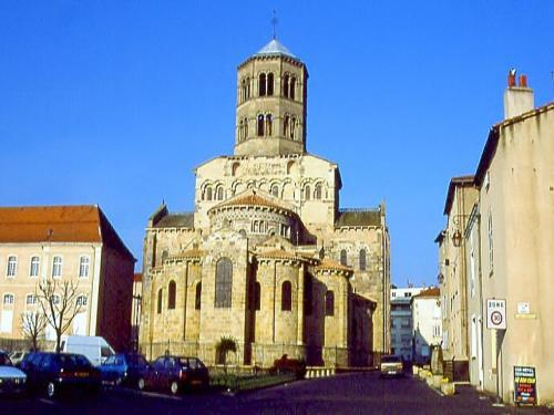 Issoire - Tourism, holidays & weekends guide in the Puy-de-Dôme