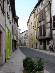 Rue de la Fontaine in the heart of the city Intramurals