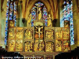 Altarpiece of the Holy Cross church (© Jean Espirat)