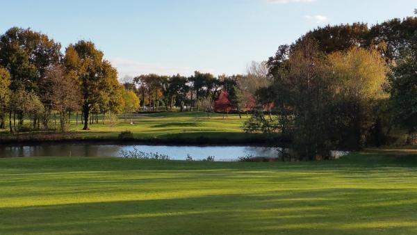 golf des fontenelles lieu de loisirs l 39 aiguillon sur vie. Black Bedroom Furniture Sets. Home Design Ideas