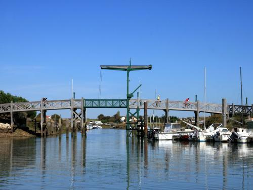 L 39 houmeau tourisme vacances week end - Code postal port la nouvelle ...