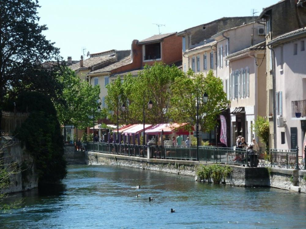 photos l 39 isle sur la sorgue tourism holiday guide. Black Bedroom Furniture Sets. Home Design Ideas