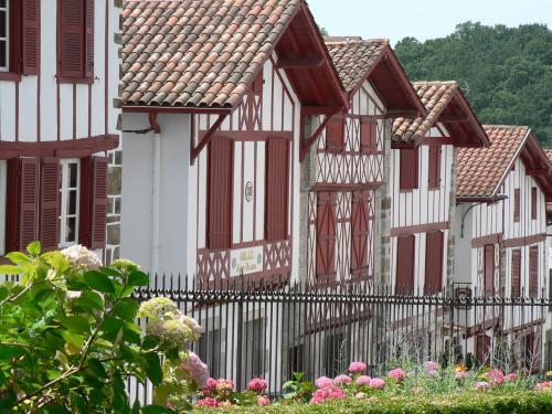 La Bastide-Clairence - Tourism, holidays & weekends guide in the Pyrénées-Atlantiques