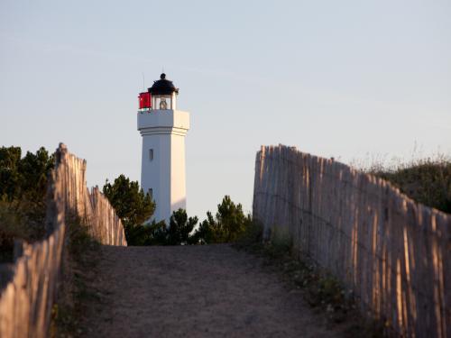 Photos phare de la tranche sur mer monument la - Office de tourisme de la tranche sur mer ...