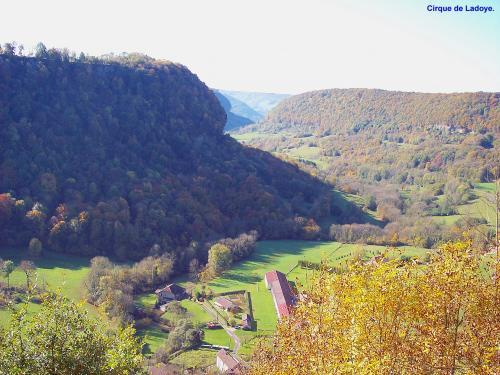 Ladoye-sur-Seille - Tourism, holidays & weekends guide in the Jura