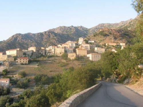 Lama - Tourism, holidays & weekends guide in the Upper Corsica