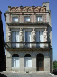 House to caryatids