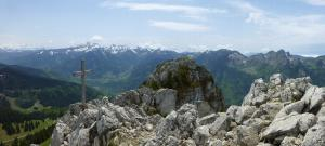 Mont Ouzon, hiking from the Corbier Pass