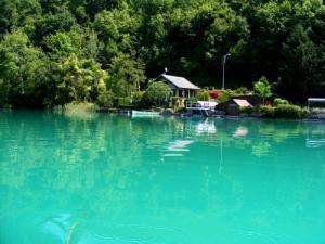 Kleine Hütten Direkt Am Wasser, Schöne Farben