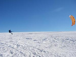 Snowkiting in Mzenc