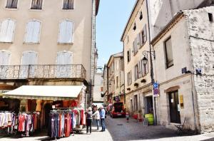 821dc96299 Les Vans - Tourism