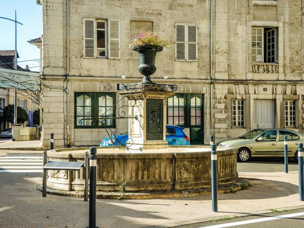 Parc lons le saunier for Code postal lons