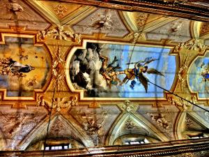Other decoration of the ceiling of the Saint-Michel basilica (© J.E)
