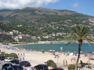 Beach of the Sablettes in Menton