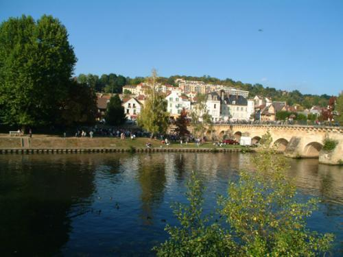 Meulan en yvelines tourism holidays weekends for Yvelines actives
