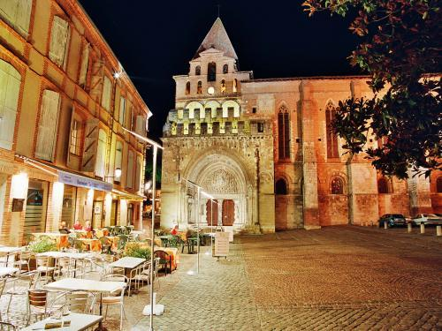 Moissac - Tourism, holidays & weekends guide in the Tarn-et-Garonne