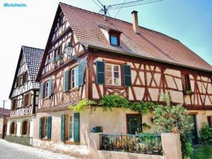 Traditional Houses ( © Jean Espirat )