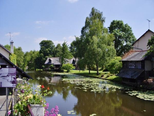 Montfort sur meu tourisme vacances week end for Architecte montfort sur meu