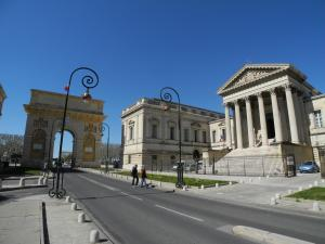 The Palace of Justice, the Arc de Triomphe and Rue Foch