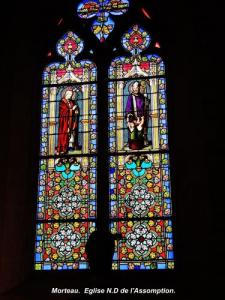 Stained glass window of the church (© Jean Espirat)