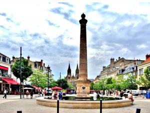 Fonte de Saincy, Place d'Allier (© J.E)