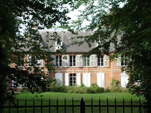 Photos moyenneville tourisme vacances week end for Piscine trie chateau
