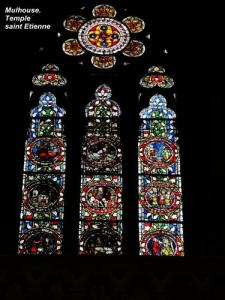 Stained glass of Saint-Etienne temple (© Jean Espirat)