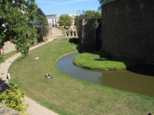 Moats (former bed of the Loire)