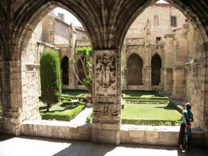 cloister of the Cathedral of Narbonne (© Frantz)